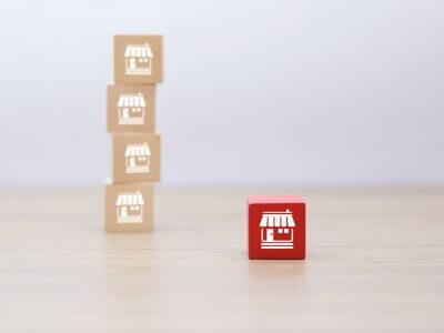 Franquias inovadoras: blocos mostrando uma rede de franquias e outro bloco, em vermelho isolado, as franquias novas
