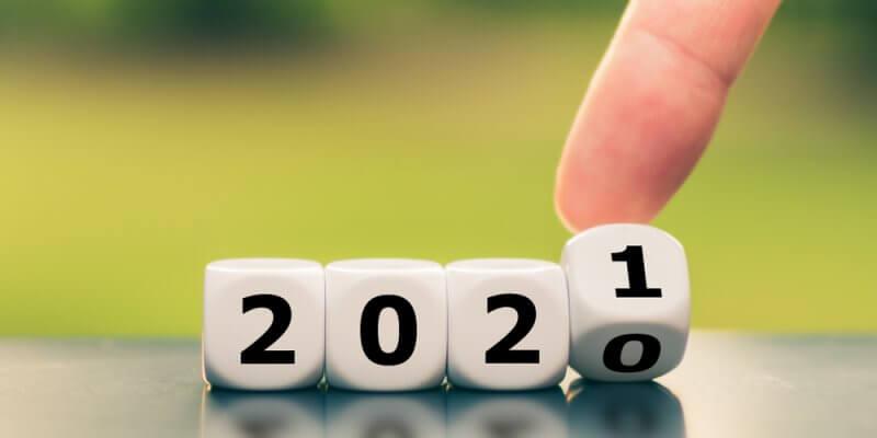 dados formando o ano de 2020. Último dado mexendo para ficar 2021. Imagem ilustrativa texto franquias que mais cresceram