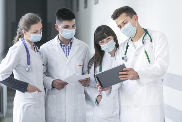 médicos conversando franquia consultare
